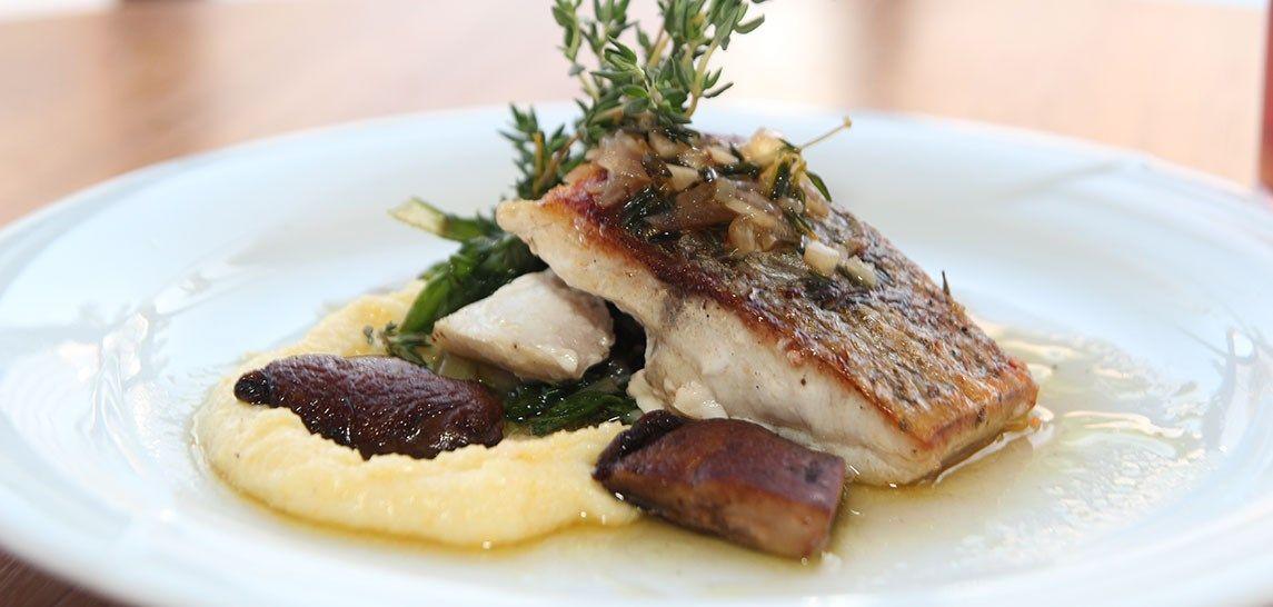 Caf'e Restaurant Fish