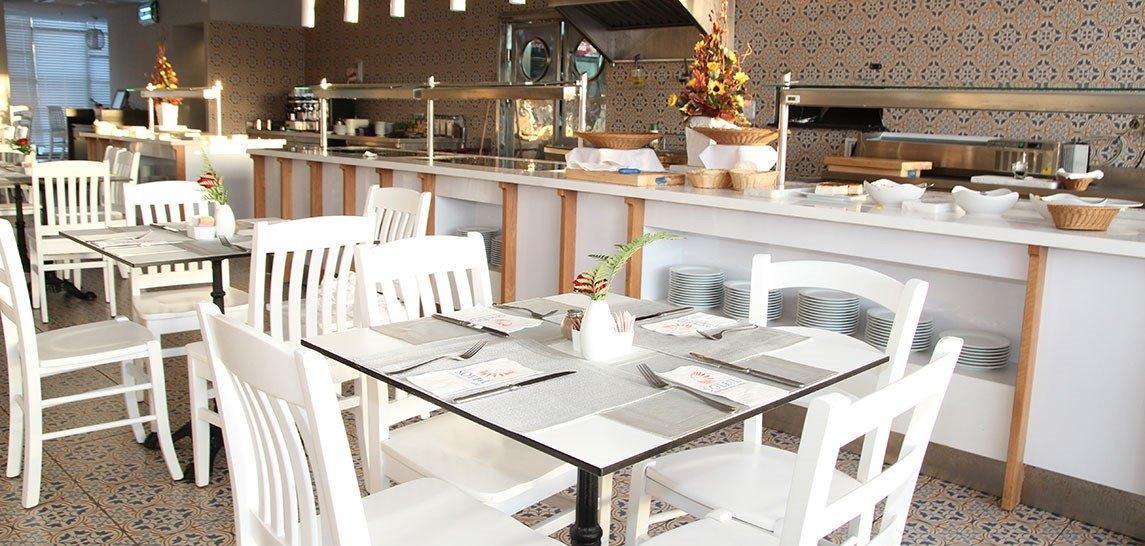 Caf'e Restaurant
